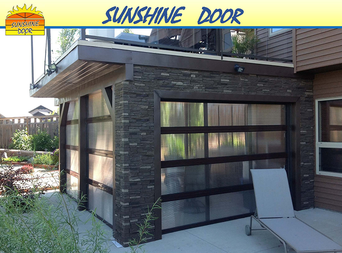 Garage Doors Winnipeg >> Sunshine Door Residential Overhead Door Of Winnipeg Brandon