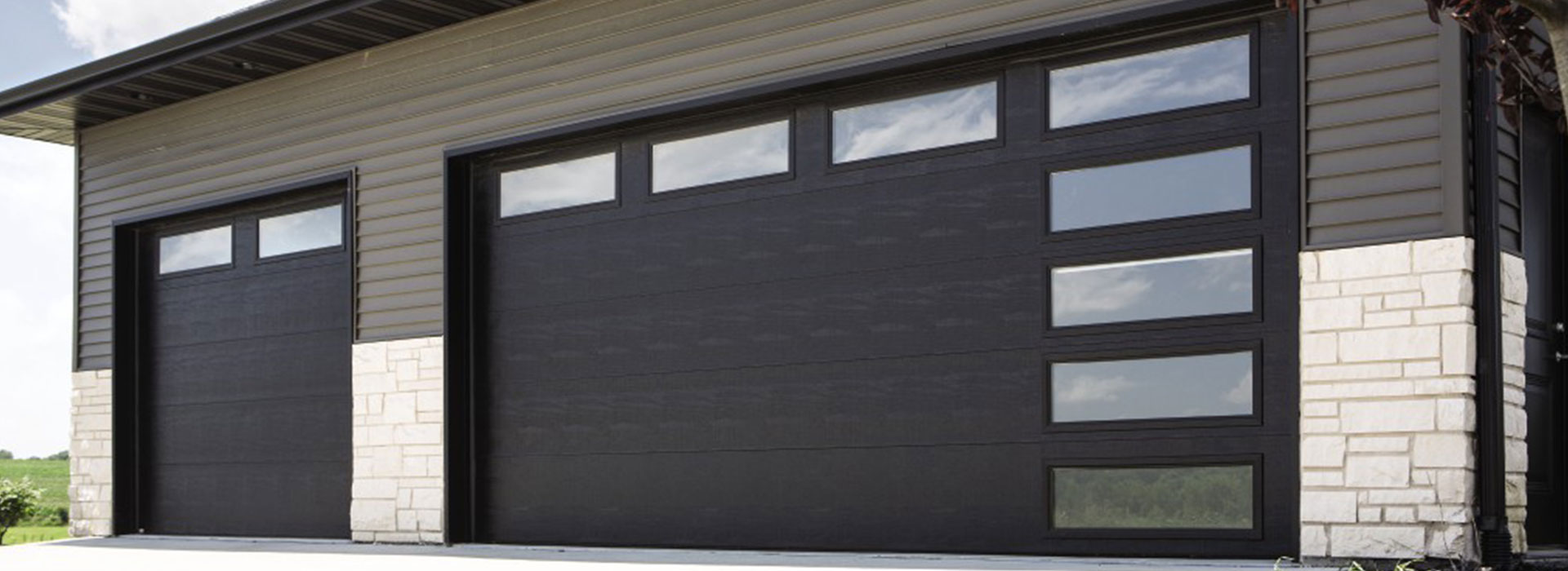 Garage Doors Winnipeg >> Overhead Door Of Winnipeg Brandon Garage Doors And Openers